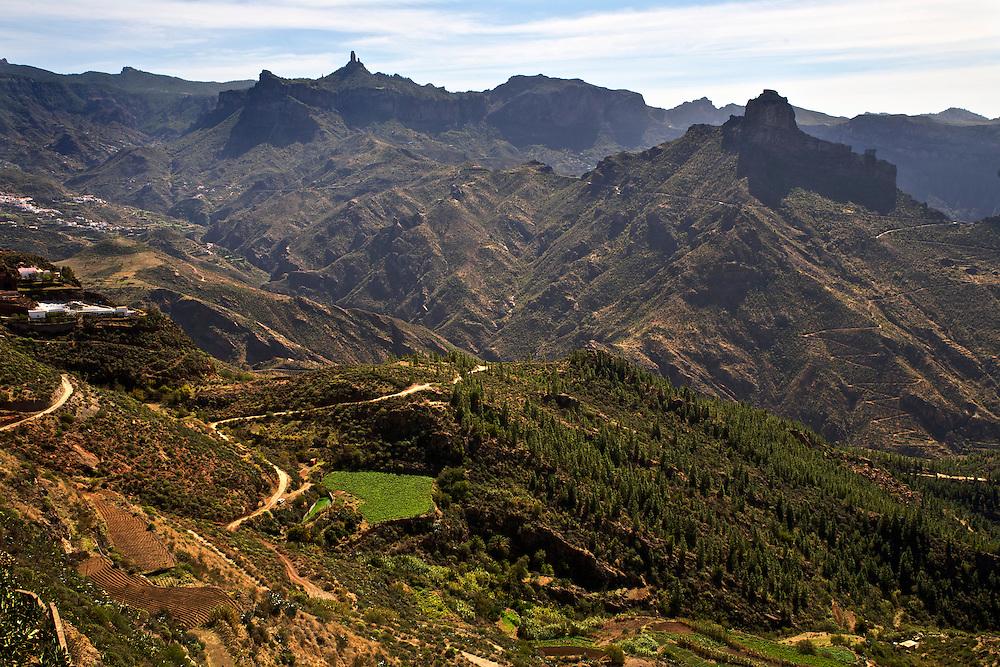 España. Islas Canarias. Gran Canaria. Artenara.Vista general de Roque Nublo y Roque Bentayga desde Artenara..©JOAN COSTA....