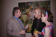 Sir Christoper Frayling, Patrick Keiller and Julie Norris. 40th anniversary party. Modern Art Oxford. 14 July 2005. ONE TIME USE ONLY - DO NOT ARCHIVE  © Copyright Photograph by Dafydd Jones 66 Stockwell Park Rd. London SW9 0DA Tel 020 7733 0108 www.dafjones.com