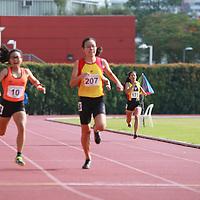 A Div Girls 400m