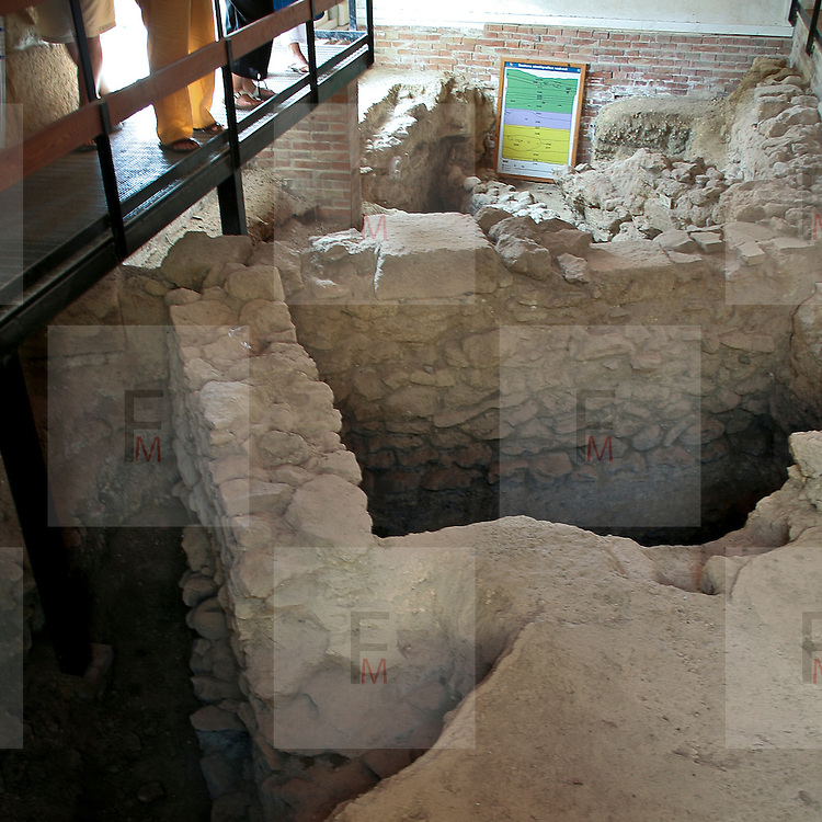 Mozia, isola nello Stagnone di Marsala  in provincia di Trapani. Sull'isola si trova l'importante museo della fondazione Whitaker fondato dall'omonimo archeologo inglese Joseph Whitaker durante il suo soggiorno in Sicilia..Interno del Museo Archeologico Whitaker..Motya an island situated in a lagoon off the west coast of Sicily, between Trapani and Marsala on the most western part of Sicily. On the island there is the Whitaker Archeological Museum, founded by the omonymous british archeologist Joseph Whitaker during his stay in Sicily..Interior of the Whitaker Archeological Musem.
