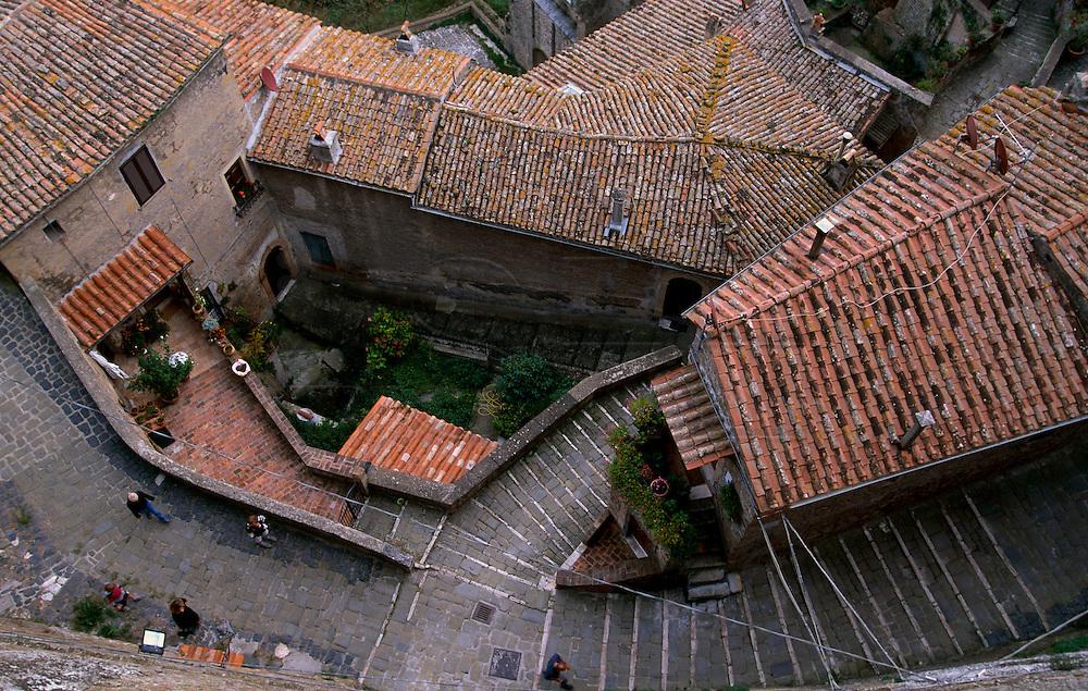 Bird view of Sorano's alleys.