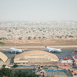 Vista aérea da cidade Luanda, capital de Angola. Aeroporto 4 de Fevereiro.