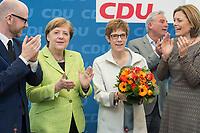 27 MAR 2016, BERLIN/GERMANY:<br /> Peter Tauber, CDU, Generalsekretaer, Angela Merkel, CDU, Budneskanzlerin, Annegret Kamp-Karrenbauer, CDU, Ministerpraesidentin Saarland, Thomas Strobl, Landesvorsitzender Baden-Wuerttemberg, Julia Kloeckner, CDU Landesvorsitzender Rheinland-Pfalz, (v.L.n.R.), vor Beginn einer Sitzung des Bundesvorstandes nach der Landtagswahl im Saarland, Konrad-Adenauer-aus<br /> IMAGE: 20170327-01-010<br /> KEYWORDS: Julia Klöckner, Jubel, Blumen, Applaus, klatschen