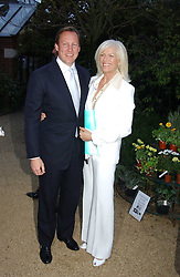 COUNT & COUNTESS FILIPPO GUERRINI-MARALDI at the annual Cartier Flower Show Diner held at The Physics Garden, Chelsea, London on 23rd May 2005.<br /><br />NON EXCLUSIVE - WORLD RIGHTS
