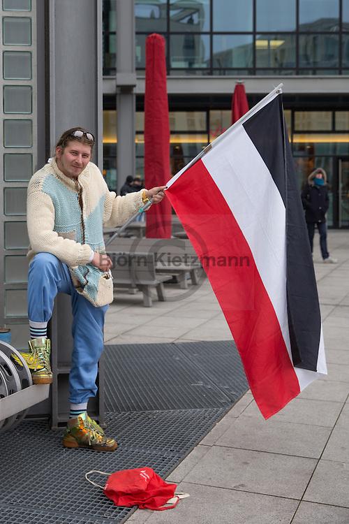 Berlin, Germany - 26.11.2016<br /> <br /> About 100 protestors join the 100th march of the far right anti-Islamic and racist Berlin PEGIDA spinoff BAERGIDA.<br /> <br /> Etwa 100 Menschen beteiligten sich am 100. Aufmarsch rechtsradikalen islamfeindlichen und rassistischen Berliner PEGIDA-Ablegers BAERGIDA. <br /> <br /> Photo: Bjoern Kietzmann