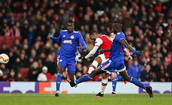 Alexandre Lacazette of Arsenal shoots wide of the goal - Mandatory by-line: Arron Gent/JMP - 27/02/2020 - FOOTBALL - Emirates Stadium - London, England - Arsenal v Olympiacos - UEFA Europa League Round of 32 second leg