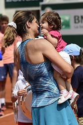 June 9, 2018 - Paris, France, France - Amelie Mauresmo  et sa fille Ayla (Credit Image: © Panoramic via ZUMA Press)