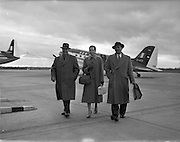 A593-1625 .Special for Aer Lingus - Aberdeen Angus Association Members at Collinstown (Dublin Airport) .