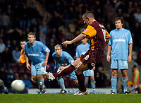 Photo: Jed Wee.<br />Bradford City v Tranmere Rovers. The FA Cup.<br />06/11/2005.<br /><br />Bradford's Dean Windass converts his own penalty from the spot to turn the game on its head in a matter of minutes.