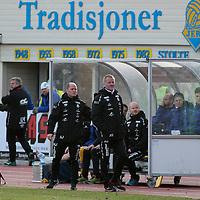 Benken til Jerv med trener Arne Sandstø under kvalik kampen til Eliteserien med Jerv-Kongsvinger 2-1 på Levermyr stadion i Grimstad.