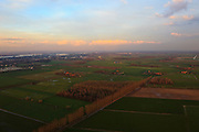Nederland, Gelderland, Land van Maas en Waal, 15-11-2010; ten zuiden van Druten, richting Waal.The Land of Maas and Waal..luchtfoto (toeslag), aerial photo (additional fee required).foto/photo Siebe Swart