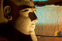 Egypte, Haute Egypte, vallée du Nil, Louxor, temple de Louxor classé Patrimoine Mondial de l'UNESCO, statue du pharaon Ramses II // Egypt, Nile Valley, Luxor, The Temple of Luxor, Satue of the pharaoh Ramesses II