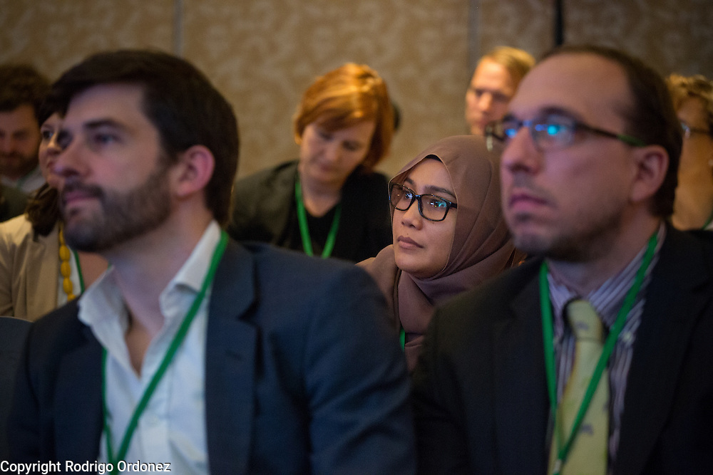 Participants listen to panelists during the opening session of the General Assembly of the Tropical Forest Alliance 2020 in Jakarta, Indonesia, on March 10, 2016. <br /> (Photo: Rodrigo Ordonez)