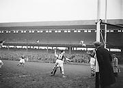 Neg No:.401/5669-5673...14021954IPFCSF1...14.02.1954..Interprovincial Railway Cup Football - Semi-Final..Leinster.3-14 .Ulster.3-6...