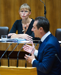 03.07.2013, Parlament, Wien, AUT, Parlament, 213. Nationalratssitzung, Sitzung des Nationalrates. im Bild Bundesministerin fuer Justiz Dr. Beatrix Karl OeVP hinter Klubobmann FPOe Heinz-Christian Strache // Minister of justice Dr. Beatrix Karl OeVP behind Leader of the parliamentary group FPOe Heinz Christian Strache during the 213th meeting of the national assembly of austria, austrian parliament, Vienna, Austria on 2013/07/03, EXPA Pictures © 2013, PhotoCredit: EXPA/ Michael Gruber