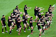 New Zealand perform the Haka - QBE Autumn Internationals - England vs New Zealand - Twickenham Stadium - London - 08/11/2014 - Pic Charlie Forgham-Bailey/Sportimage