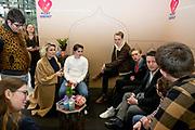 Prinses Laurentien en bekende nederlanders voeren op Valentijnsdag echte gesprekken op station Utrecht Centraal als onderdeel van de actie #echtcontact.<br /> <br /> Op de foto:  Marlijn Weerdenburg