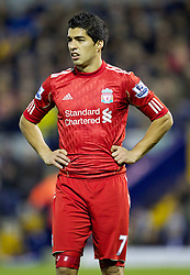 29.10.2011, The Hawthorns, West Bromwich, ENG, PL, West Bromwich Albion vs FC Liverpool, im Bild Liverpool's Luis Alberto Suarez Diaz in action against West Bromwich Albion during the Premiership match at The Hawthorns // during the Premier League match between West Bromwich Albion vs FC Liverpool, at the Hawthorns, West Bromwich, United Kingdom on 29/10/2011. EXPA Pictures © 2011, PhotoCredit: EXPA/ Propaganda Photo/ Vegard Grott +++++ ATTENTION - OUT OF ENGLAND/GBR+++++
