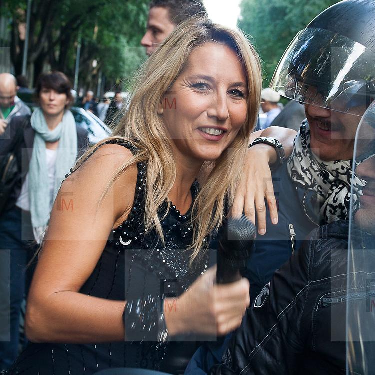 Jo Squillo alla setttimana della moda.<br /> <br /> The italian show girl Jo Squillo at the Milan fashion week.