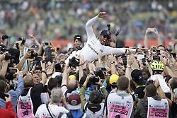 July 16, 2017 - Silverstone, Great Britain - Motorsports: FIA Formula One World Championship 2017, Grand Prix of Great Britain, ..#44 Lewis Hamilton (GBR, Mercedes AMG Petronas F1 Team) (Credit Image: © Hoch Zwei via ZUMA Wire)