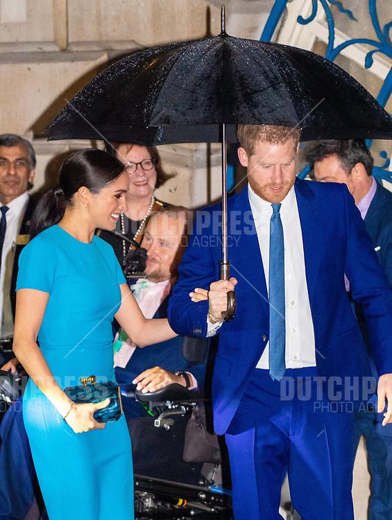 LONDEN - Prins Harry en Meghan, Hertog en Hertogin van Sussex bij de Endeavour Fund Awards 2020 in London.