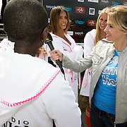 NLD/Amsterdam/20080518 - Opname strafschoppen EK Lingerie, Nienke Disco interviewt het nederlandse team