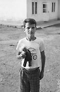 Marius Florescu à 10 ans en 1993 à l'orphelinat de Popricani. Marius a été abandonné à la naissance.<br /> <br /> Marius Florescu at 10 in 1993 at Popricani's orphanage. Marius was abandoned at birth.