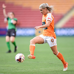 BRISBANE, AUSTRALIA - NOVEMBER 17: Amy Chapman of the Roar in action during the round 4 Westfield W-League match between the Brisbane Roar and Adelaide United at Suncorp Stadium on November 17, 2017 in Brisbane, Australia. (Photo by Patrick Kearney / Brisbane Roar)