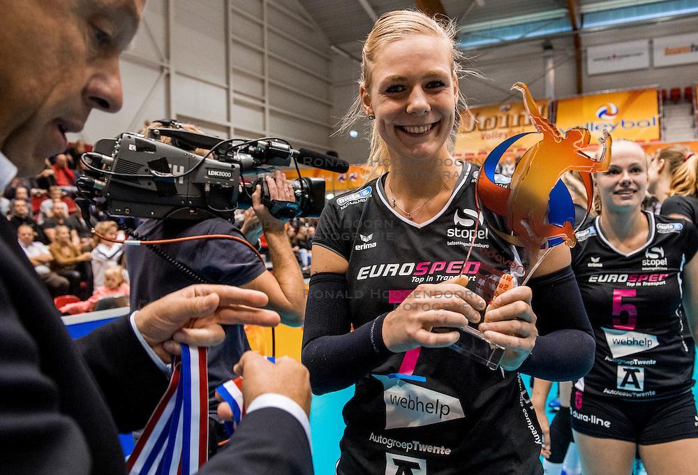 02-10-2016 NED: Supercup VC Sneek - Eurosped, Doetinchem<br /> Eurosped wint de Supercup door Sneek met 3-0 te verslaan / Daphne Knijff #7 of Eurosped