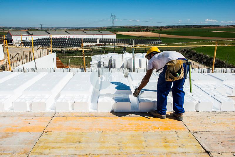 Construcción casa Bioclimatica de poliestileno. Villar de Cañas. Cuenca ©ANTONIO REAL HURTADO / PILAR REVILLA