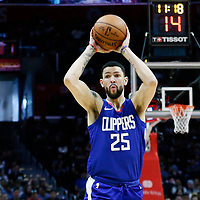 09 December 2017: LA Clippers guard Austin Rivers (25) passes the ball during the LA Clippers 113-112 victory over the Washington Wizards, at the Staples Center, Los Angeles, California, USA.
