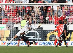 21.09.2013, Coface Arena, Mainz, GER, 1. FBL, 1. FSV Mainz 05 vs Bayer 04 Leverkusen, 6. Runde, im Bild, , Torraum-Szene zum 0:4, links: Kiessling, Stefan (11)/ Bayer 04 Leverkusen, mitte: Mueller, Heinz (33)/ FSV Mainz 05, rechts: JooHo Park (24)/ FSV Mainz 05, rechts/aussen: Sam, Sidney (18)/ Bayer 04 Leverkusen,  // during the German Bundesliga 6th round match between 1. FSV Mainz 05 and Bayer 04 Leverkusen at the Coface Arena, Mainz, Germany on 2013/09/21. EXPA Pictures © 2013, PhotoCredit: EXPA/ Eibner/ Kellner<br /> <br /> ***** ATTENTION - OUT OF GER *****