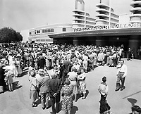 1945 Crowd outside The Pan-Pacific Auditorium