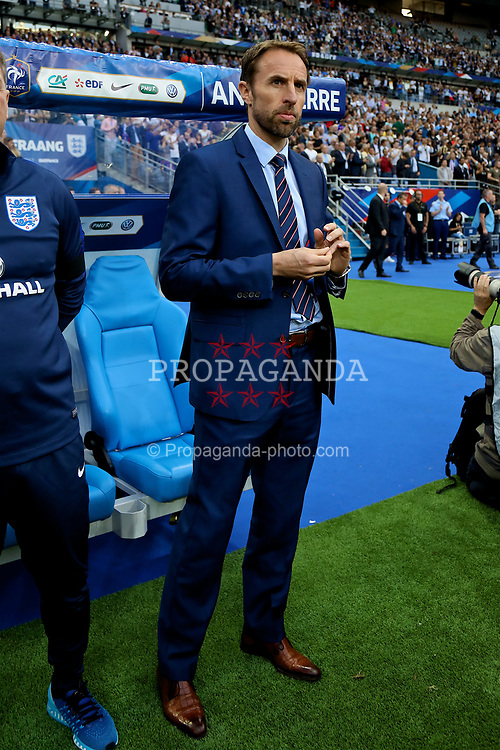 PARIS, FRANCE - Tuesday, June 13, 2017: England's manager Gareth Southgate before an international friendly match against France at the Stade de France. (Pic by David Rawcliffe/Propaganda)