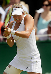 23.06.2010, Wimbledon, GBR, Sony Ericson WTA Tour, Grand Slam, The Championships, Wimbledon, Women's singles, Angelique Kerber (GER) vs Shahar Peer (ISR), im Bild Shahar Peer (ISR). EXPA Pictures © 2010, PhotoCredit: EXPA/ IPS/ Marc Atkins / SPORTIDA PHOTO AGENCY