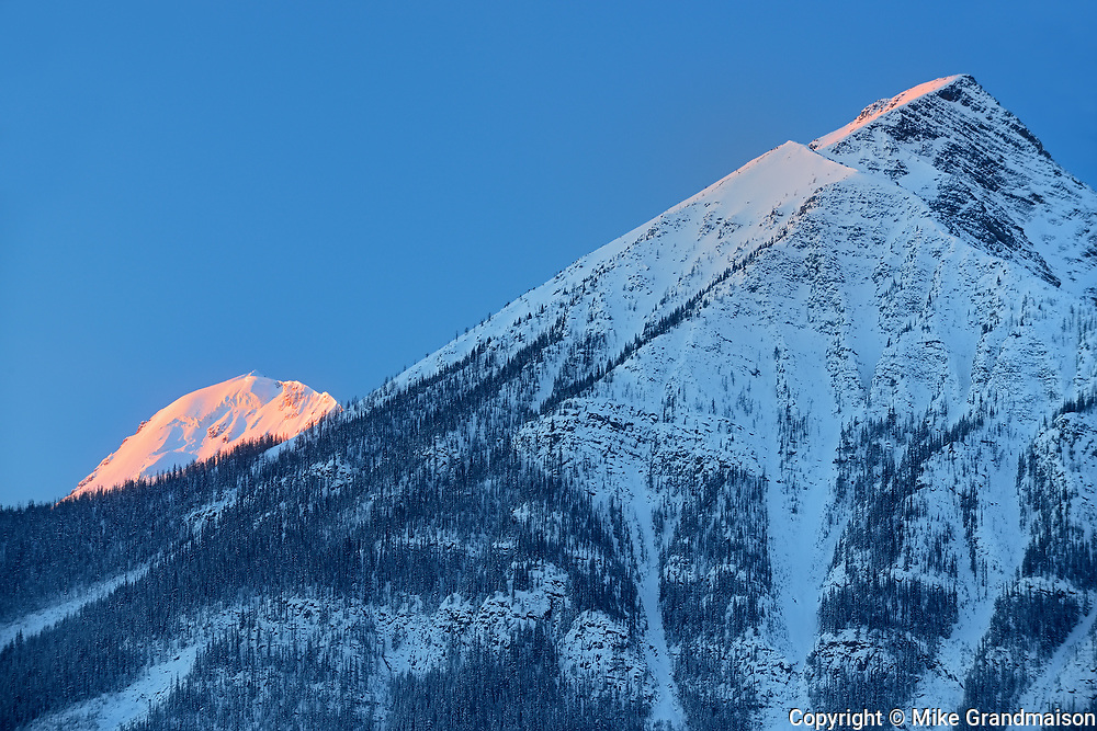 The Canadian Rocky Mountains along the Icefields Parkway at sunrise, Banff National Park, Alberta, Canada
