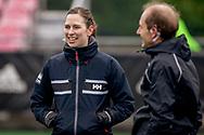 LAREN -  Hockey Hoofdklasse Dames: Laren v Pinoké, seizoen 2020-2021. Foto: Scheidsrechter Ymke van Slooten
