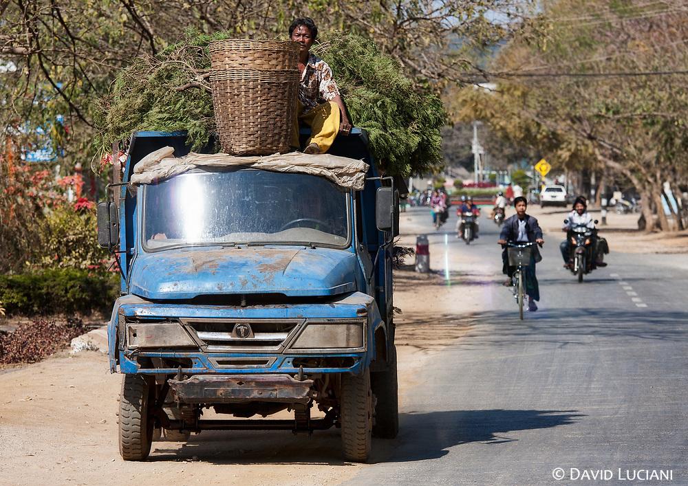 A street scene on our way to Pyin U Lwin.