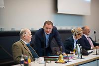 DEU, Deutschland, Germany, Berlin, 27.10.2020: AfD-Fraktionschef Alexander Gauland (MdB, Alternative für Deutschland, AfD) und AfD-Parteichef Tino Chrupalla (MdB, AfD) vor Beginn einer Sitzung der AfD-Fraktion im Deutschen Bundestag.