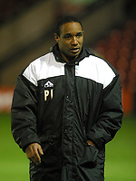 Photo: Dave Linney.<br />Walsall v Macclesfield Town. The FA Cup. 21/11/2006.<br />Macclesfield Mgr Paul Ince.