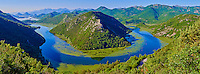 Monténégro, côte Adriatique, région centrale, Lac Skadar, parc national de Skadarsko Jezero, Rijeka Crnojevica, les méandres de la rivière Crnojevica //  Montenegro, Lake Skadar National Park, View of the river bend of the Rijeka Crnojevica river