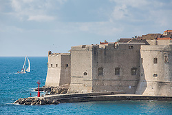 THEMENBILD - das Bild zeigt einen Blick auf die Altstadt, die Festung St. Ivan und Strand Banje // View of the old town, the fortress of St. Ivan and beach Banje, pictured at Dubrovnik, Croatia on 2015/02/15. EXPA Pictures © 2015, PhotoCredit: EXPA/ Pixsell/ Grgo Jelavic/PIX<br /> <br /> *****ATTENTION - for AUT, SLO, SUI, SWE, ITA, FRA only*****