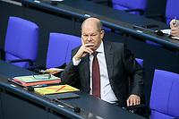 08 DEC 2020, BERLIN/GERMANY:<br /> Olaf Scholz, MdB, SPD, Bundesfinanzminister, Haushaltsdebatte, Plenum, Reichstagsgebaeude, Deuscher Bundestag<br /> IMAGE: 20201208-02-006