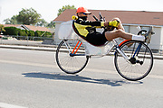 De bike parade op vrijdag voor de jeugd in Battle Mountain. In Battle Mountain (Nevada) wordt ieder jaar de World Human Powered Speed Challenge gehouden. Tijdens deze wedstrijd wordt geprobeerd zo hard mogelijk te fietsen op pure menskracht. De deelnemers bestaan zowel uit teams van universiteiten als uit hobbyisten. Met de gestroomlijnde fietsen willen ze laten zien wat mogelijk is met menskracht.<br /> <br /> In Battle Mountain (Nevada) each year the World Human Powered Speed ??Challenge is held. During this race they try to ride on pure manpower as hard as possible.The participants consist of both teams from universities and from hobbyists. With the sleek bikes they want to show what is possible with human power.