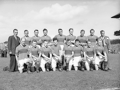 Neg No:.871/a1908-a1909..1955AISFCSF...All Ireland Senior Football Championship - Semi-Final..21.08.1955. 08.21.1955, 21st August 1955.Dublin.1-8.Mayo.1-7..Mayo Team.