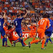 NLD/Eindhoven/20050907 - WK kwalificatiewedstrijd Nederland - Andorra, Ruud van Nistelrooy laat zich vallen en krijgt een strafschop