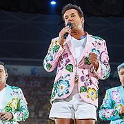 NLD/Amsterdam/20150530 - Toppers concert 2015 Crazy Summer edition, Gerard Joling geeft toespraak ivm zijn ongeluk