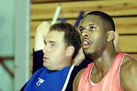 Basket, Eliteturnering i Bærum 9. september 2000 herrer. Ulrikens trener David Swan og  Tremaine Gardiner.