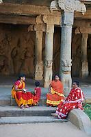 Inde, etat du Tamil Nadu, Mamallapuram ou Mahabalipuram, Mandapa de Krishna, patrimoine mondial de l Unesco // India, Tamil Nadu, Mamallapuram or Mahabalipuram, Krishna Mandapa, Unesco world heritage
