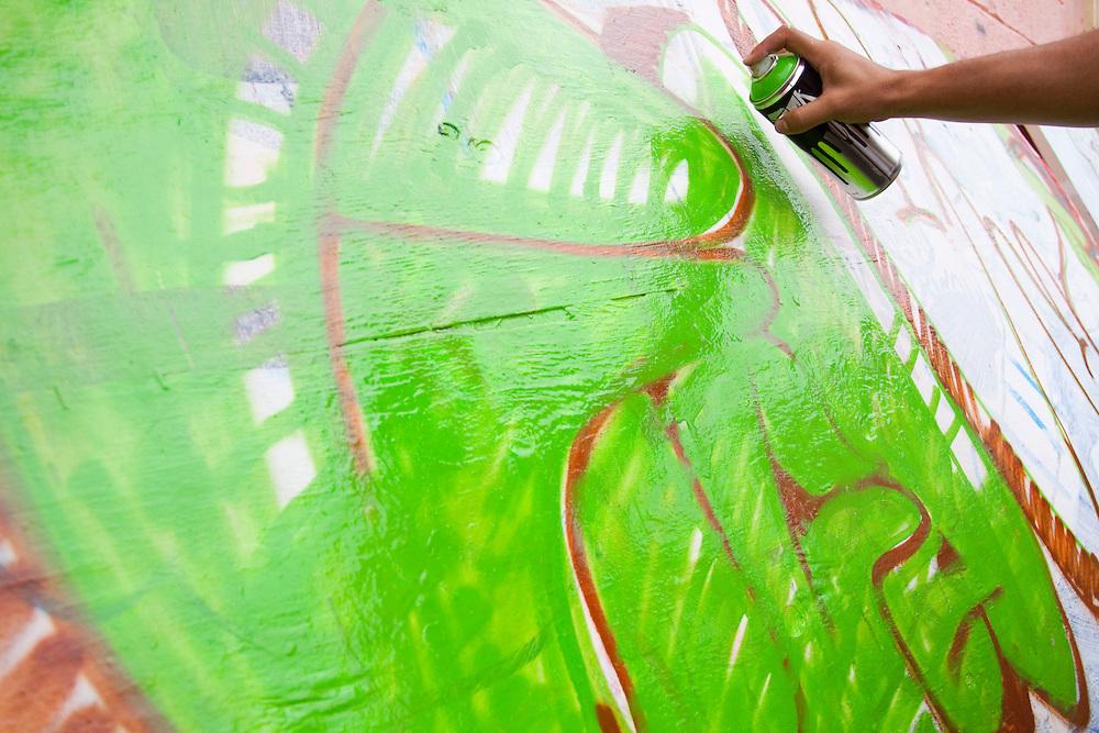 Santa Luzia_MG, Brasil...Oficina de grafite do projeto Fica Vivo no bairro Palmital em Santa Luzia, Minas Gerais...The graffiti workshop in Fica Vivo project in Palmital neighborhood, Santa Luzia, Minas Gerais..Foto: MARCUS DESIMONI / NITRO